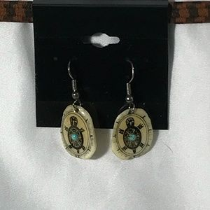 GOLD TONE TURTLE EARRINGS